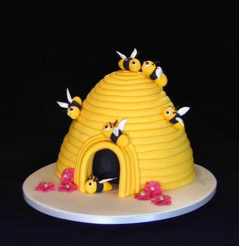 Bumble Bee Cake Design
